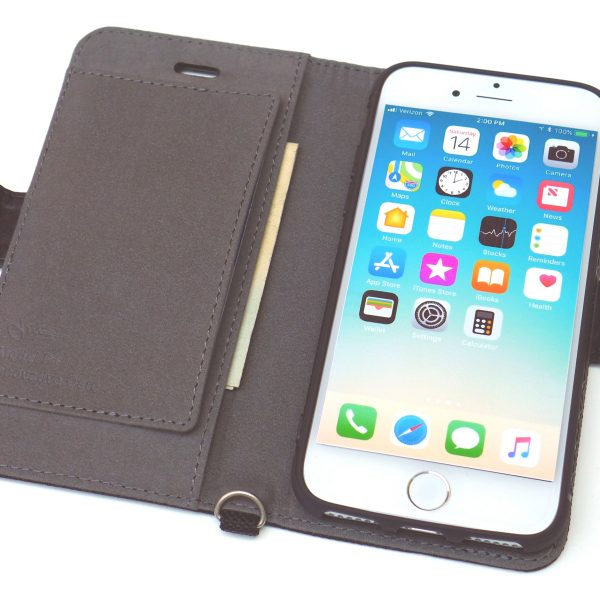 PROTECTIVE POCKECT PREVENTS CARDS FROM SCRATCHING iPHONE SCREEN