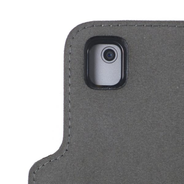 REAR CAMERA HOLE DETAIL WITH FRONT COVER FOLDED AGAINST BACKSIDE OF CASE